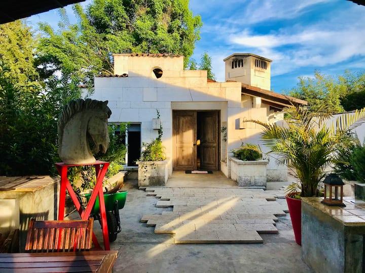 """Morar""Casa Mediterránea en Avandaro, Valle Bravo"