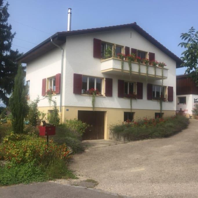 Einfamilienhaus   (Sommer)