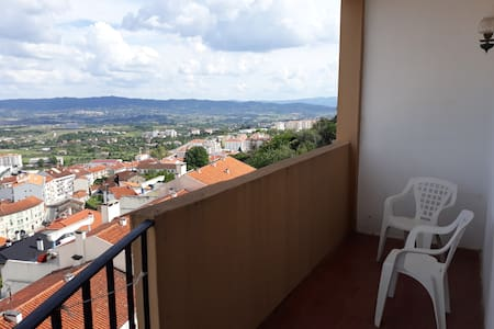 Apartment with view and balconies in Covilha