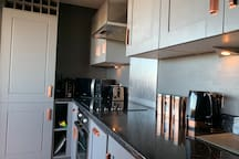 2 bed Penthouse Flat with Balcony