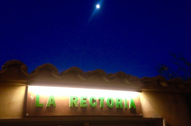 Rectoria By Night