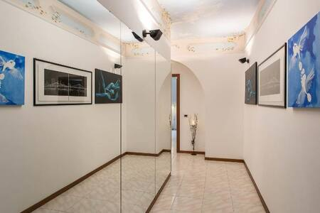 COZY FULLY FURNISHED PRIVATE STUDIO CITY CENTER - Milan - Apartment