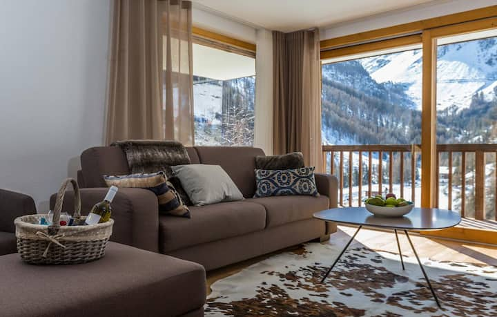 Chalet les Rahâs by Mrs Miggins, Luxury Apartment 2 bedroom