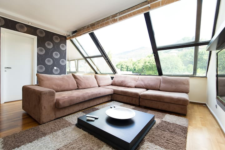 Amazing penthouse 3 bedrooms 96 sqm free parking