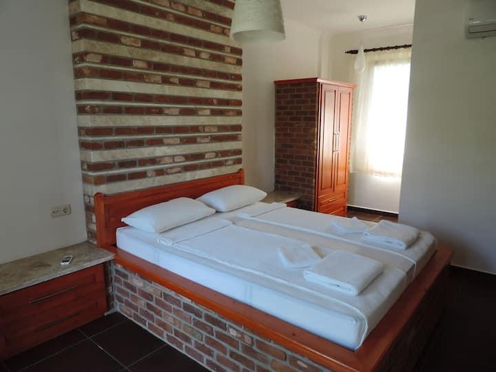 Doppelbett Zimmer No.2/Cift kisilik Oda No.2