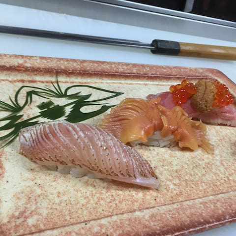 寿司職人への道‥‥朝、市場で仕入れ見学しながら~市場飯!そのあと、寿司屋のプチ修行体験なんて~どう? - Tochigi-shi - Rumah