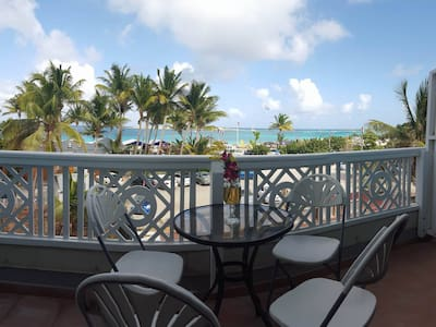 Oceanfront At Cozy Village Center - Saint Martin - Wohnung