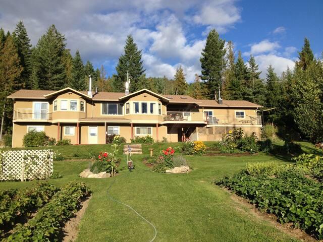 Mountain Paradise - Vernon - Huis