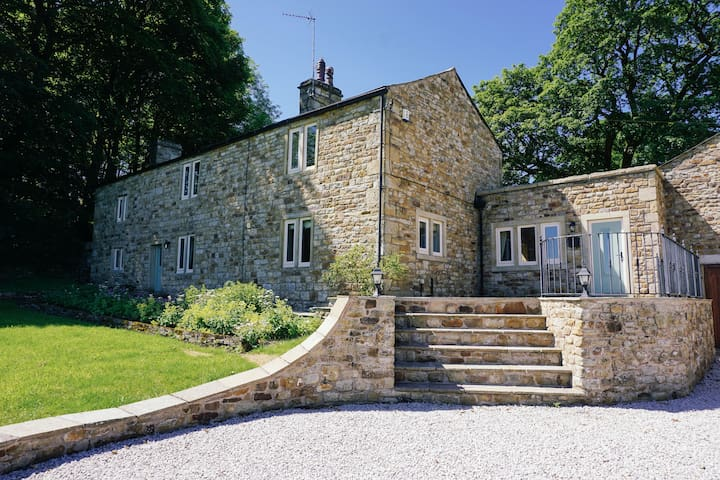 Brockthorn - Beautiful farmhouse in an AONB