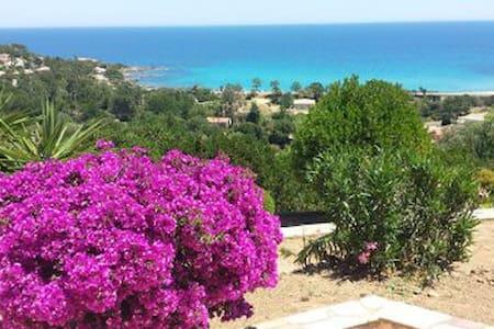 """mini-villa """"La Baie A"""" face à la mer, plage 500 m"""