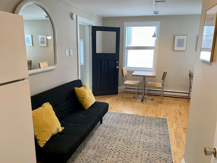 Cozy Apartment in Hull - 5min from DT Ottawa 🇨🇦