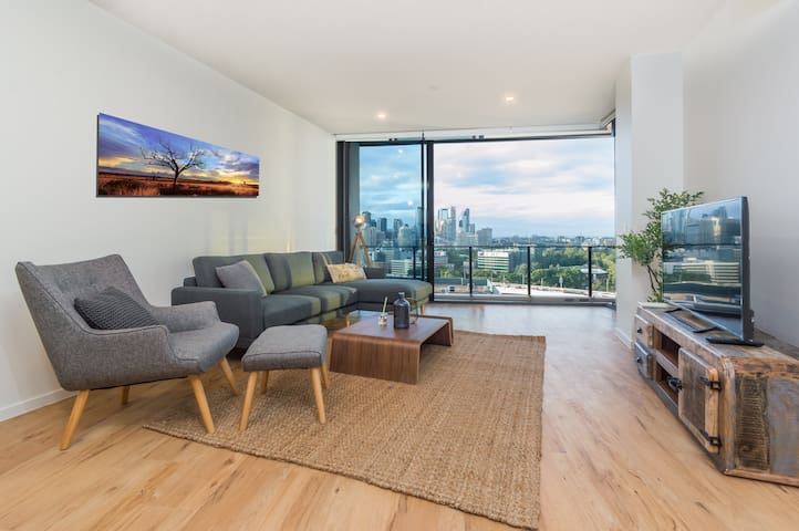 Spruced Up Penthouse w Skyline Views Near Restos
