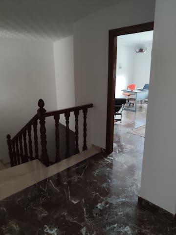 Habitación individual en piso privado