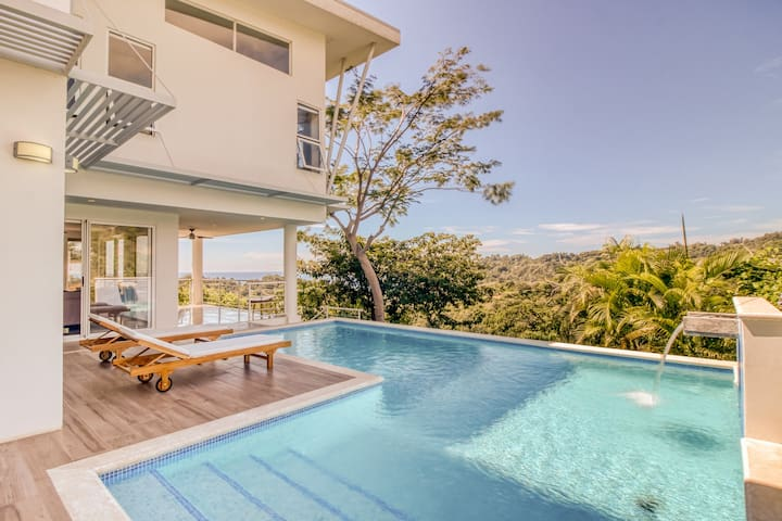 Spectacular luxury residence with amazing ocean views and private pool!