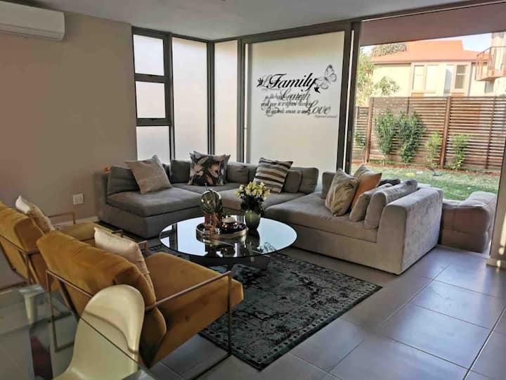 Modern 2 bedroom duplex in Zimbali Wedge