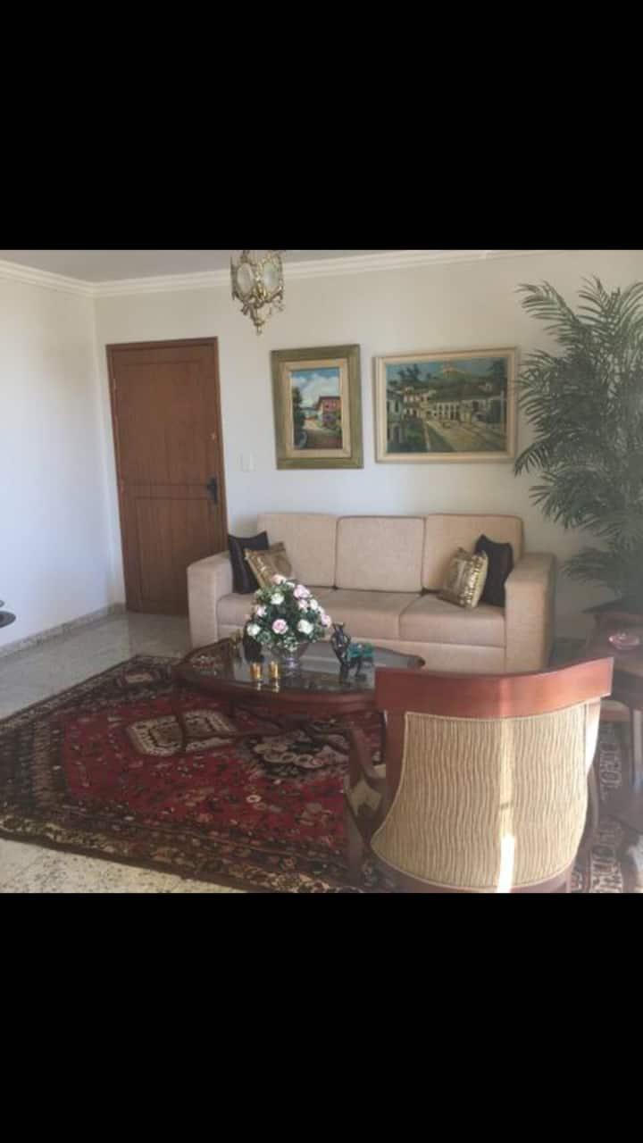 Lindo e amplo apartamento familiar