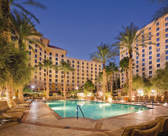 Cruise the Strip! 1 BR Condo steps from the strip!