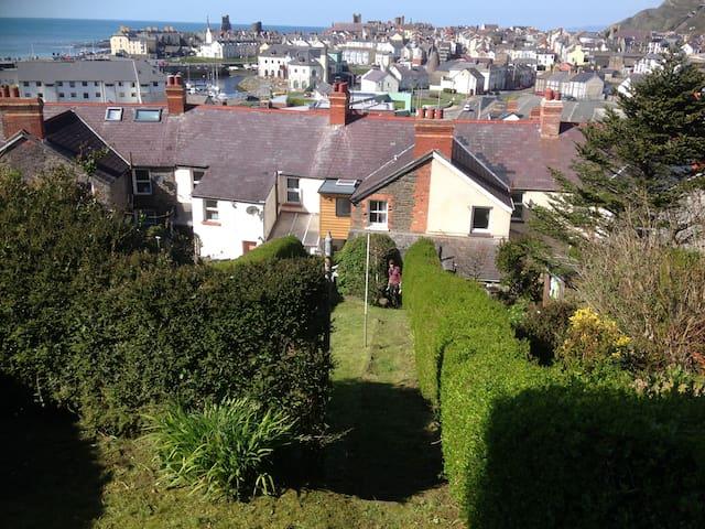 Seacroft, Dinas Terrace, Aberystwyth