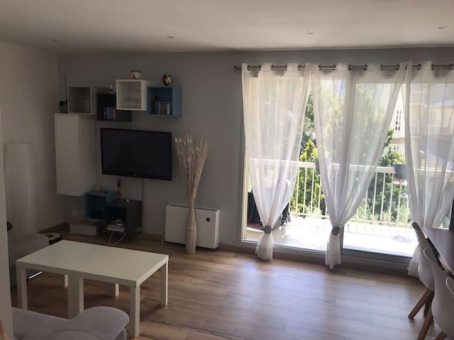 Appartement dans résidence calme au cœur de Lunel