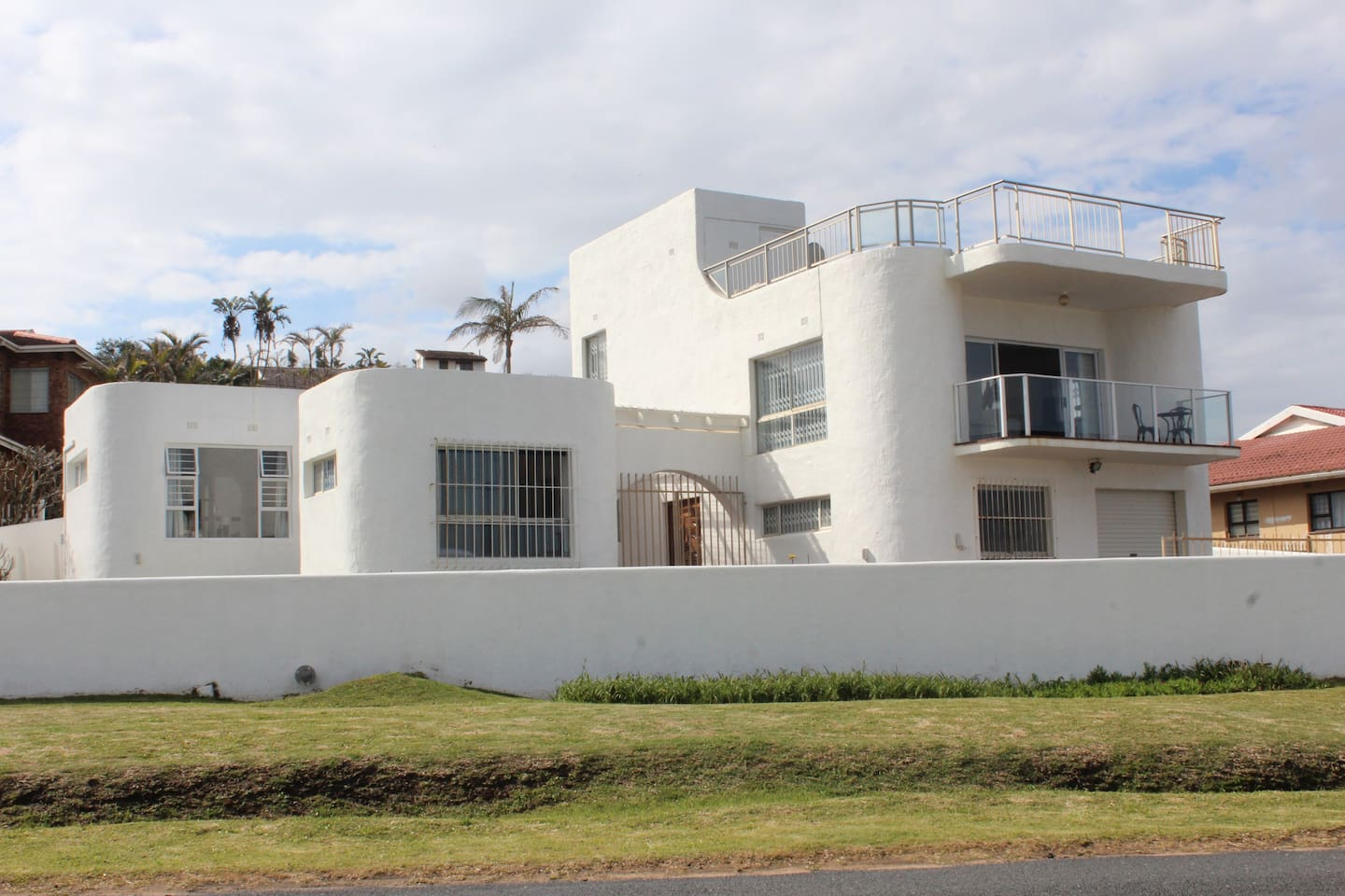 Beautiful Beach Home directly across from the Indian Ocean