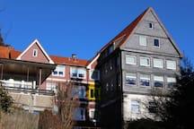 Kleinbraunis Fenster ist gelb markiert :)