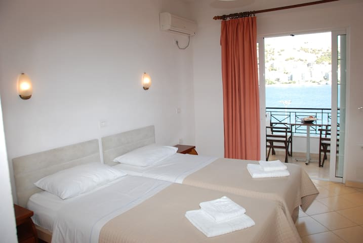 Hotel Mano: Twin Room with Sea View