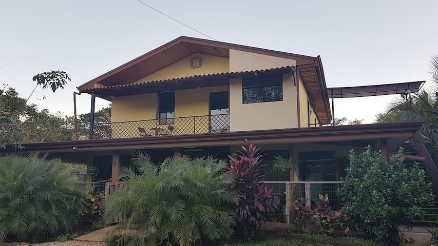 Villa Ballena, Paraíso Escondido