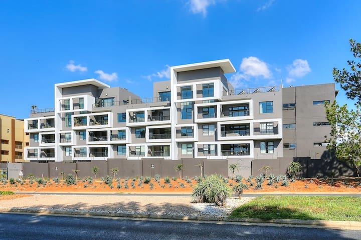 LARGE modern 2 BR unit opposite Morningside Center