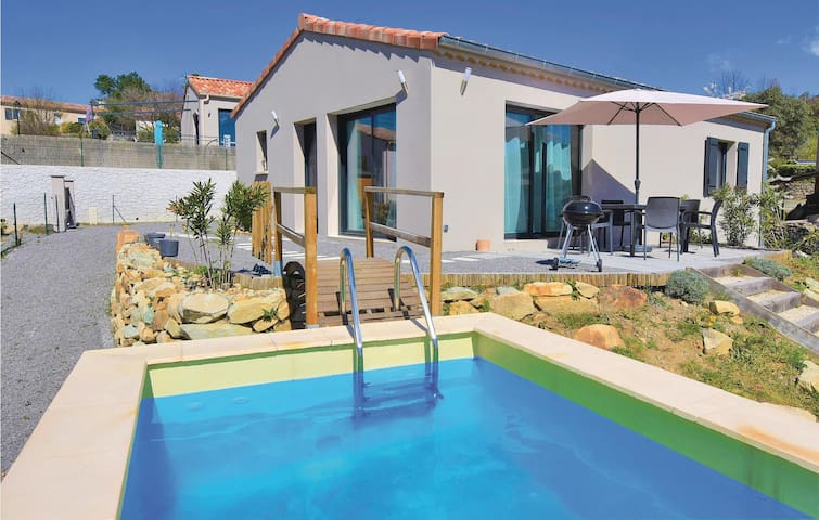 Holiday cottage with 2 bedrooms on 72m² in Chassiers