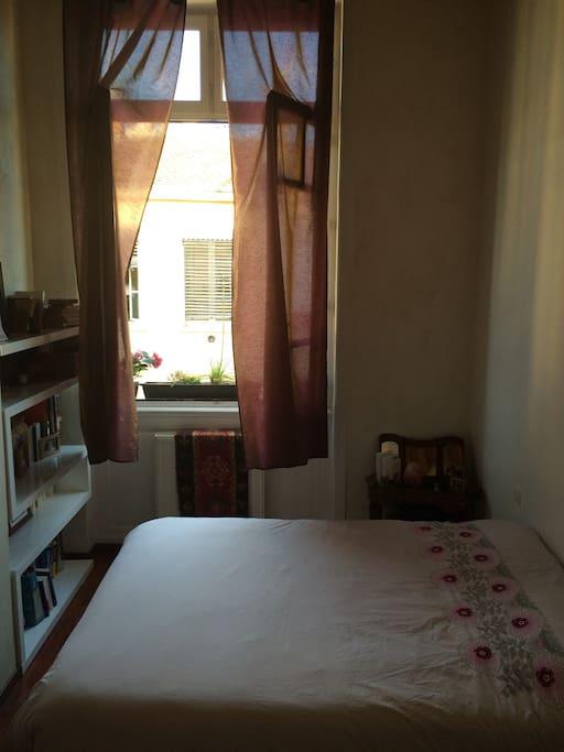 Chambre des parents, avec lit de 160 très confortable.