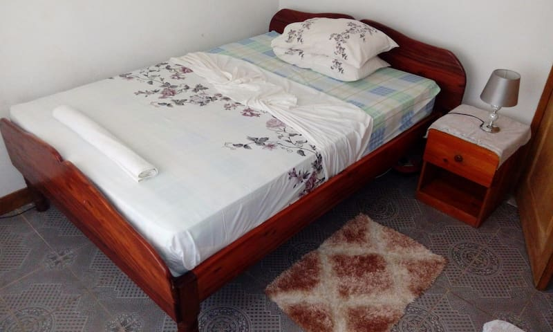 Friendly room in central Baie St. Anne lizensiert!