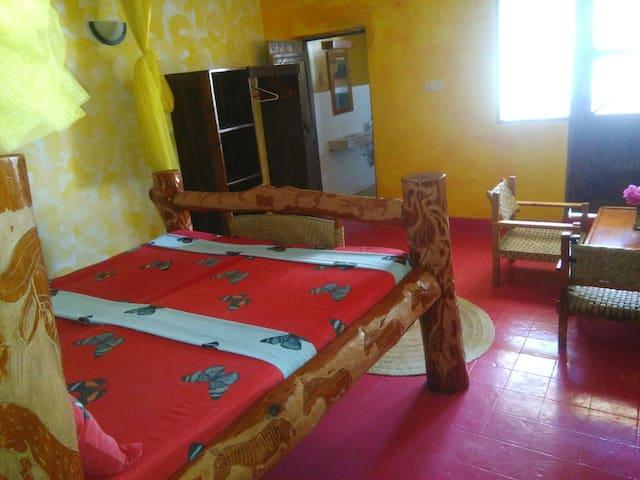 "Beachside Garden paradise, ""Nyati"" double room - Diani Beach - Apartamento"