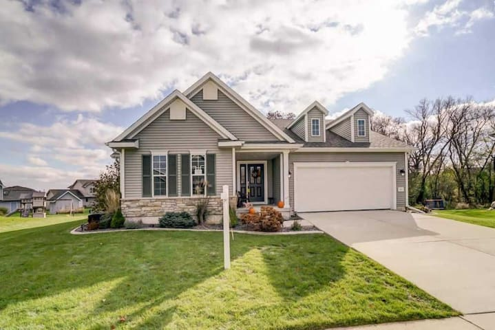 Beautiful home just 25 min East of Madison, WI