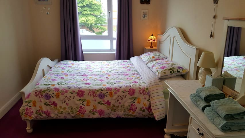 Double Room Central Cheltenham