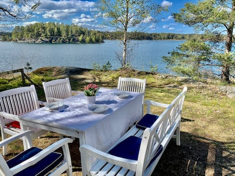 Sea side cottage in the archipelago