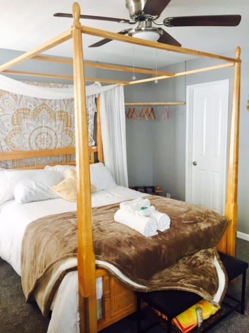 a spacious room