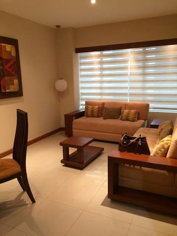 GORGEOUS AND COZY MODERN SUIT!!! - Guayaquil - Appartement