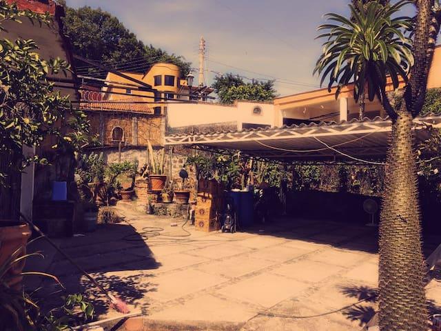 Hermosa casa en Fraccionamiento Privado Burgos - Tres de Mayo