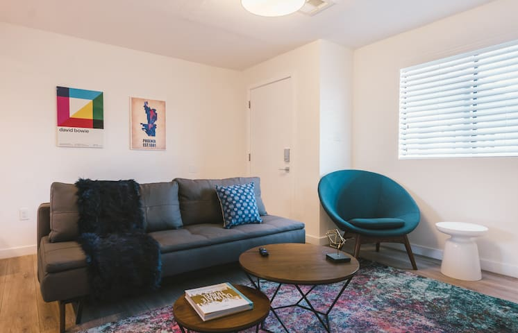 Capri XVII Stylish 1BR in Phoenix Arts District