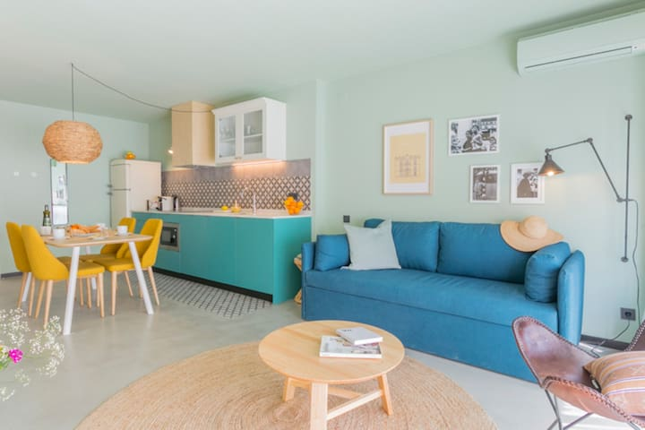 Yays Sagrera two-bedroom apartment for 6