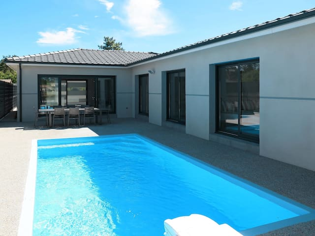 Holiday home in Montalivet for 12 persons