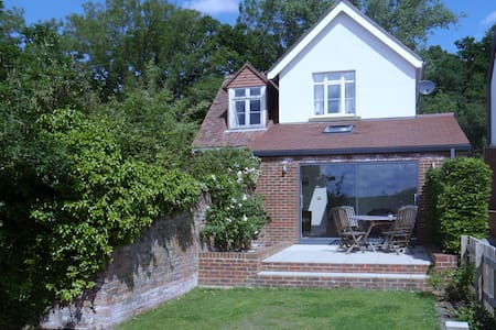 Frensham cottage with fabulous view