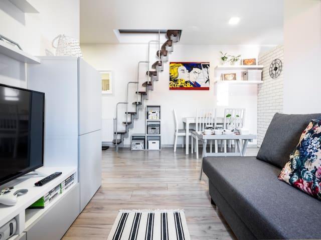 Klimatyczny apartament z poddaszem, blisko centrum