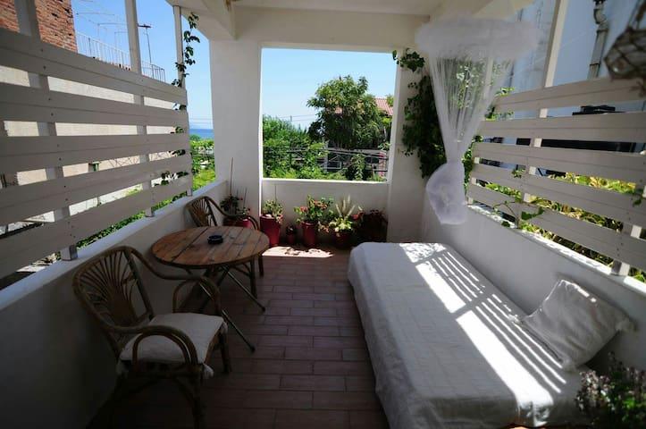 Bohemian apartments 3 iraion samos