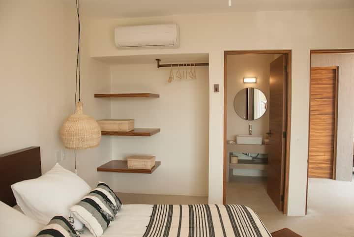 Private room in Casa Lulú B&B 1 - Best loc in SJ
