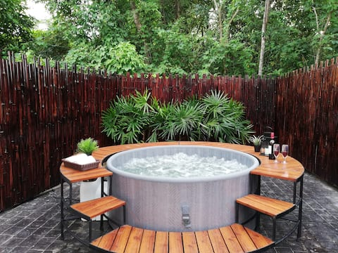Ashton House Ranong Private House with jacuzzi 1