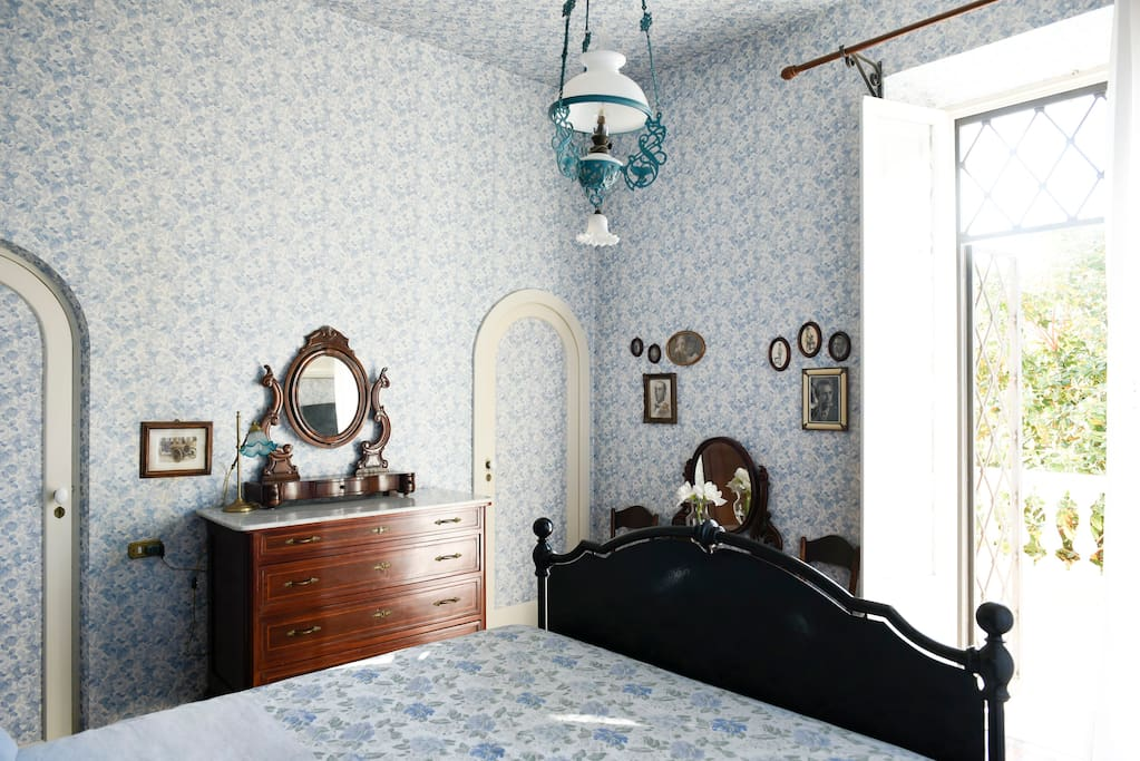 Blue Room has an ensuite bathroom and a private terrace