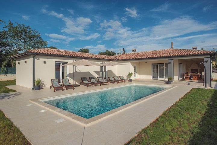 House Villa Cristalines (73949-K1)