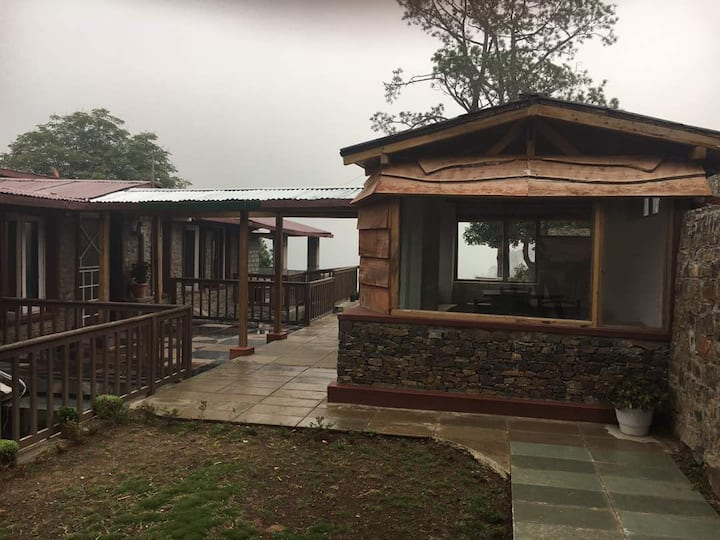 Garden View Rooms at Versha- A Home in the Hills