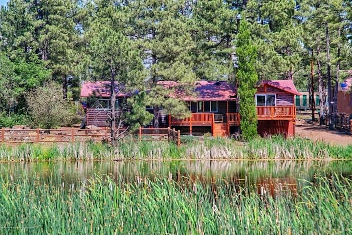 New! Apache Cove Getaway w/Deck and Pond Views!!!